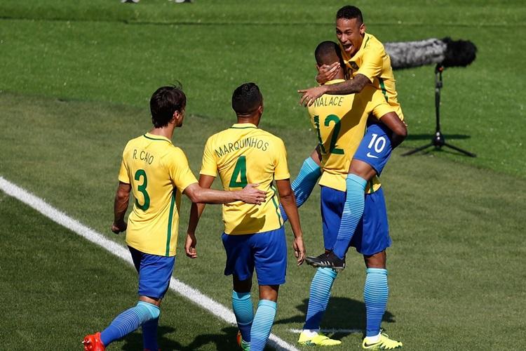 4629edca8f Brasil goleia Honduras e poderá pegar a Alemanha na final